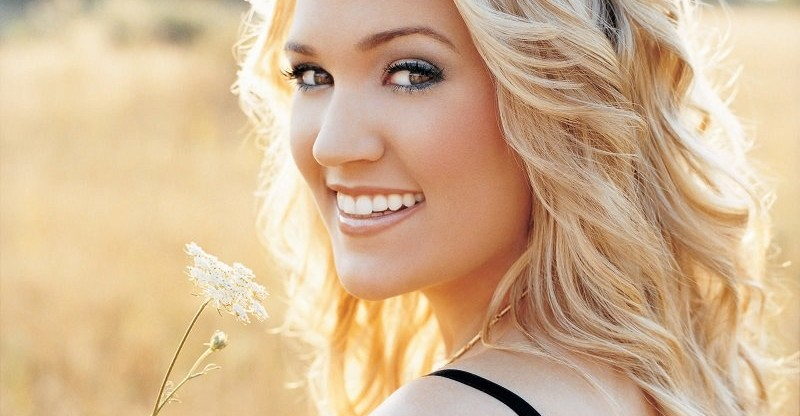 Carrie-Underwood-Mike-Fischer-wife